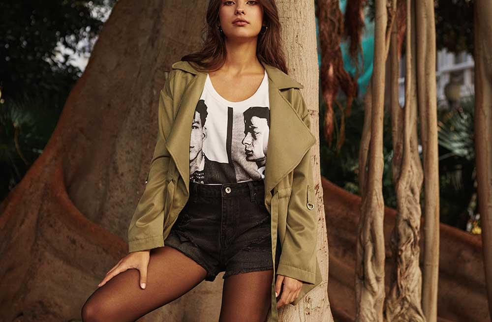 Top Tendencias de Otoño. Un must: camiseta básica y chaqueta.