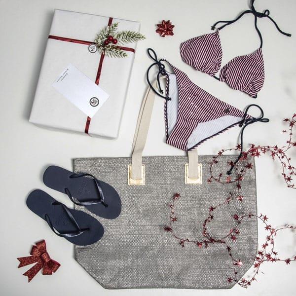 bikini completo con chanclas y bolso
